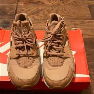 Air Hurache Nike's